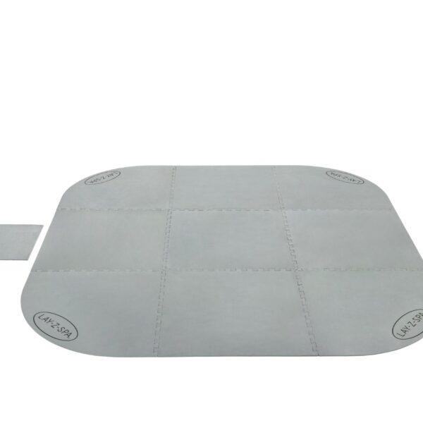 Beschermende ondervloer voor een portable spa. De set bestaat uit 9 delen die aan elkaar kunnen worden bevestigd en zo een vierkant met ronde hoeken vormen
